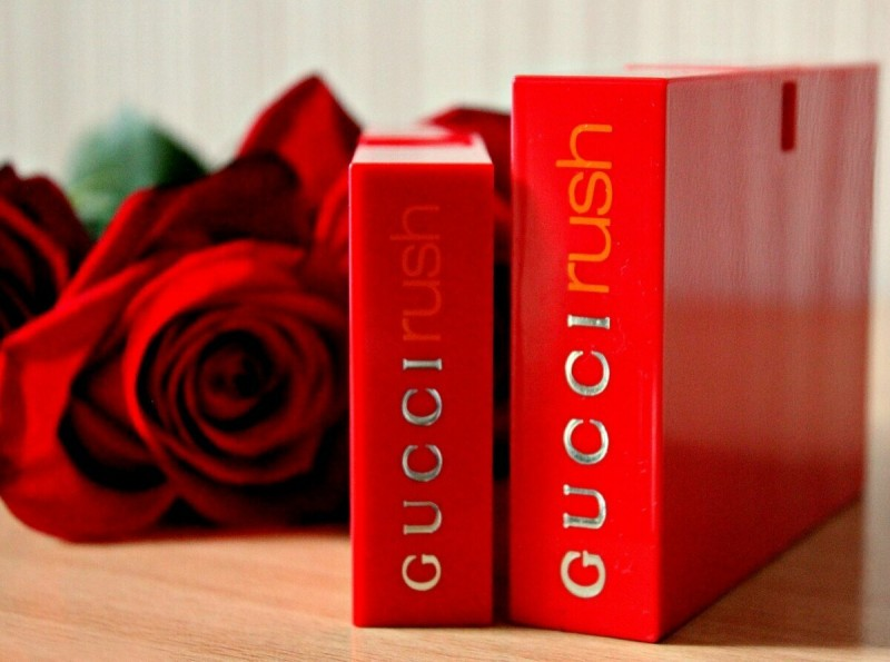 Дерзкий, смелый и яркий парфюм с выраженной сексуальной составляющей.