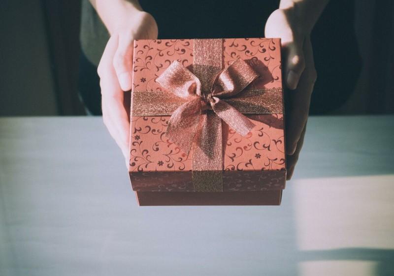 Идея подарка женщине, которым она будет пользоваться каждый день. Годами!