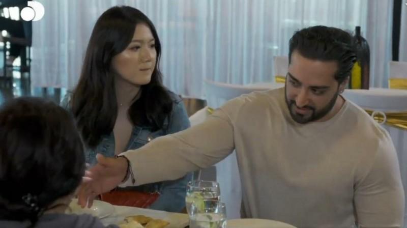 Мужчина пригласил свою маму и девушку в ресторан, чтобы они пообщались и поладили. Но женщина привела невестку своей мечты