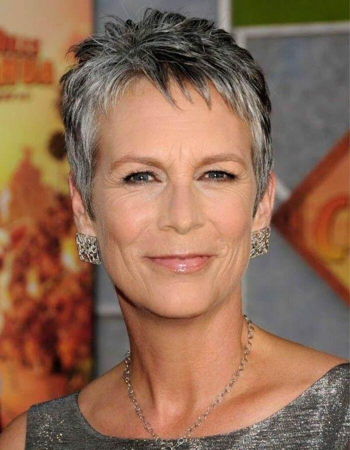 Стрижка пикси на короткие волосы для женщин старше 50 лет.