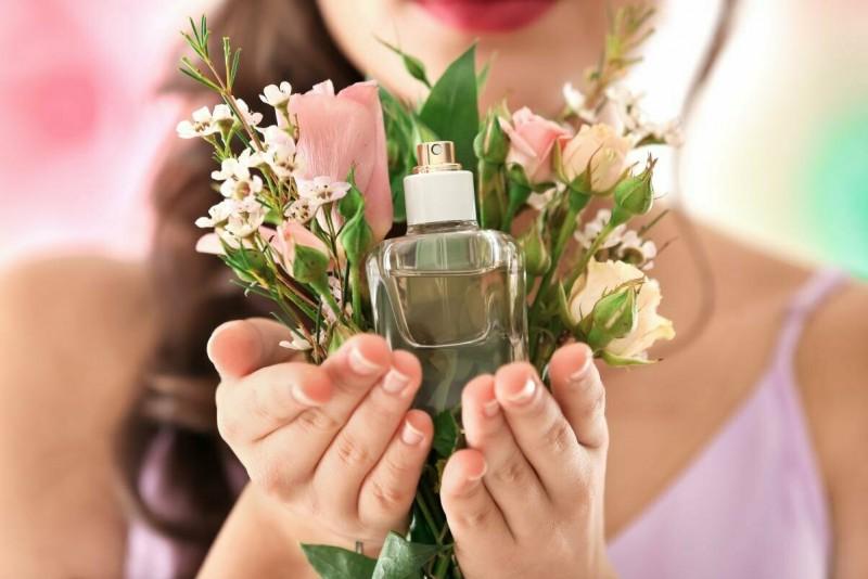 Легендарные женские ароматы: прикоснитесь к совершенству. Топ-7 – часть 3