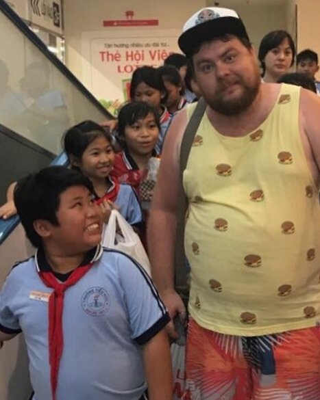 """""""Вьетнамские дети реагируют на меня очень бурно. Узнают, по-ходу..."""""""