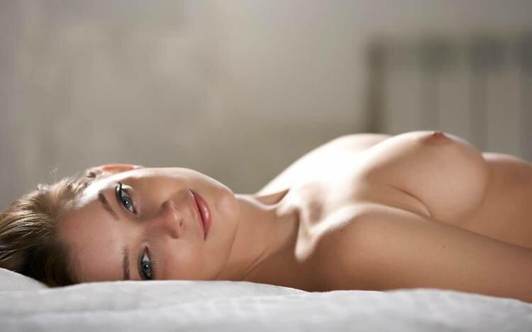 Прекрасная женская грудь. Откровенные фото 18+