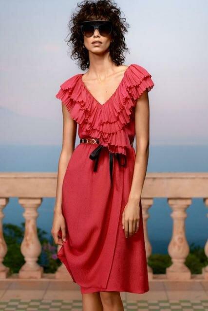 Женское платье бренда Chanel из коллекции Cruise 2021