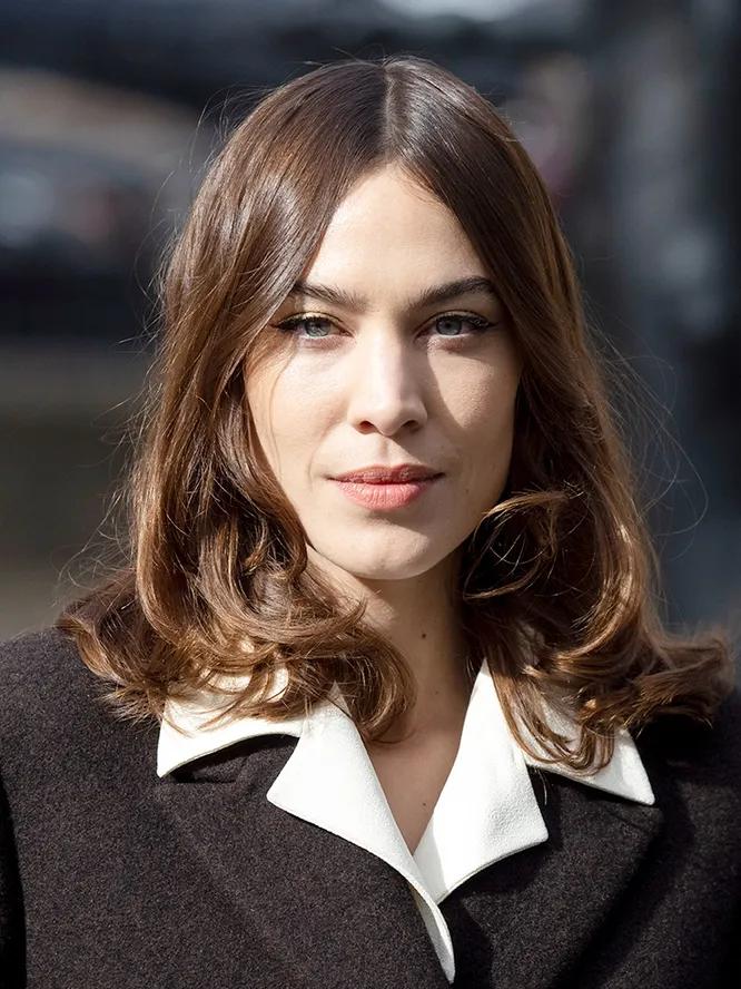 Самые модные стрижки и прически 2021 года — стильные женские варианты для средних волос