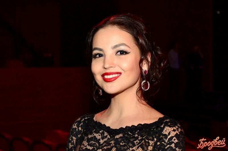 Актрисы стран СНГ, которые впечатляют своей красотой. Предлагаю вам 5 вариантов.