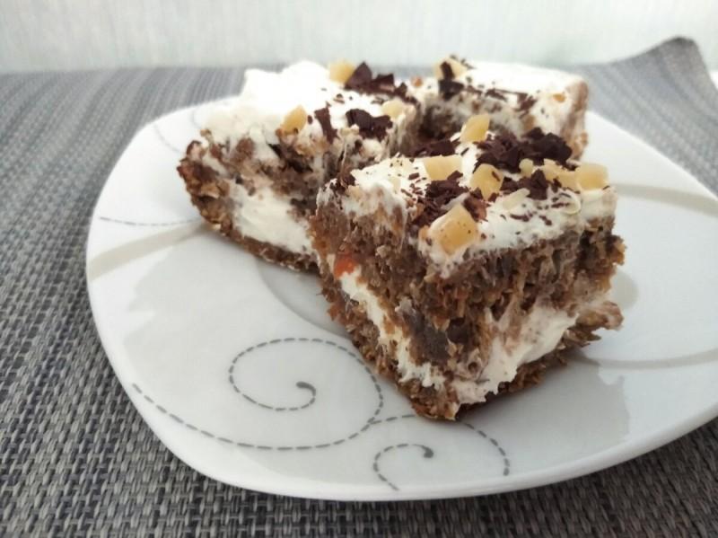 Завтрак : морковный торт