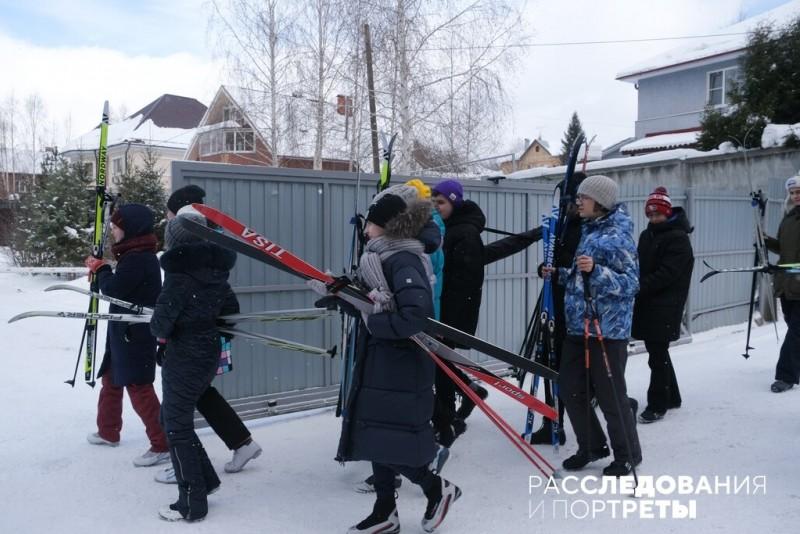 Класс отправляется на лыжную прогулку. Фото: Фото: Александра Яговкина @ Расследования и портреты