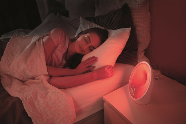 А ночью световой будильник поможет быстро уйти в глубокий сон