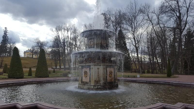 Петергоф, Ломоносов, Александрия... Плата за красоту.