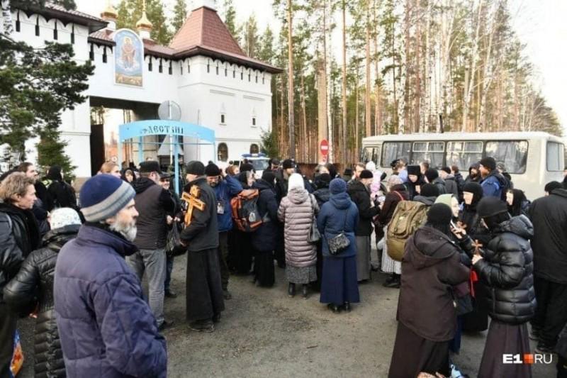Штурм Среднеуральского женского монастыря в День памяти преподобной Марии Египетской