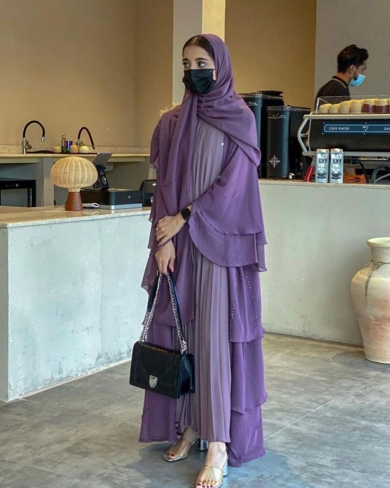 Арабские женщины без платка