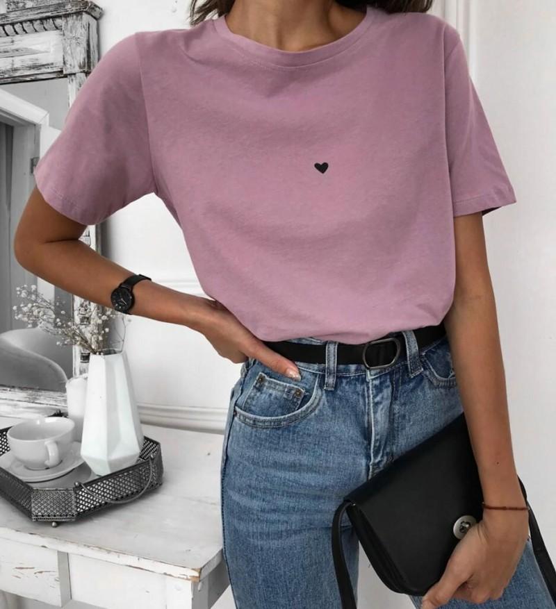 Женские футболки.