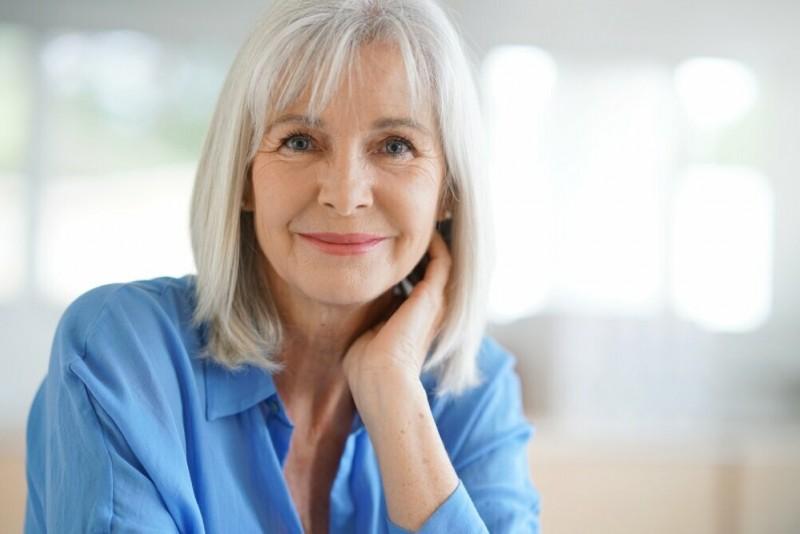Как женщине после 60 лет выглядеть современно и стильно