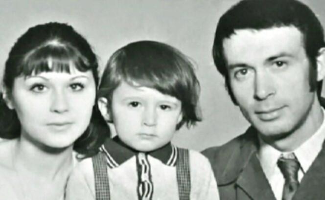Галина с сыном и мужем. Фото взято из открытых источников