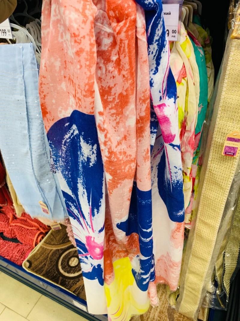 Красивые весенние женские шарфы. Размер: 180/85 см. Материал 100% полиэстер. На ощупь шарф очень приятный , мягкий, легкий. 199 р.