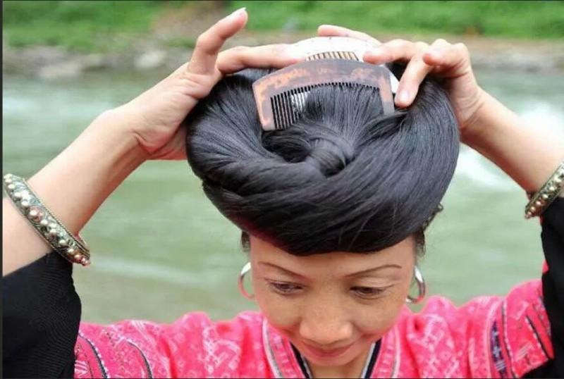 Женщины этой деревни стригут волосы только раз в жизни
