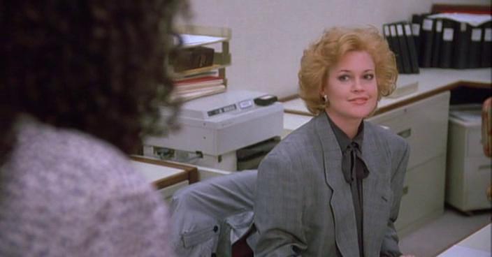 """Все-таки уроки Кэтрин не прошли даром. Хотя и ученица сама по себе оказалась на высоте. """"Элегантность не в том, чтобы надеть новое платье. Элегантна – потому что элегантна, новое платье тут ни при чем"""". Коко Шанель."""