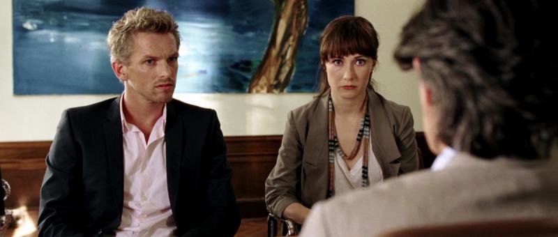"""Кадр из фильма """"Приходит женщина к врачу""""."""