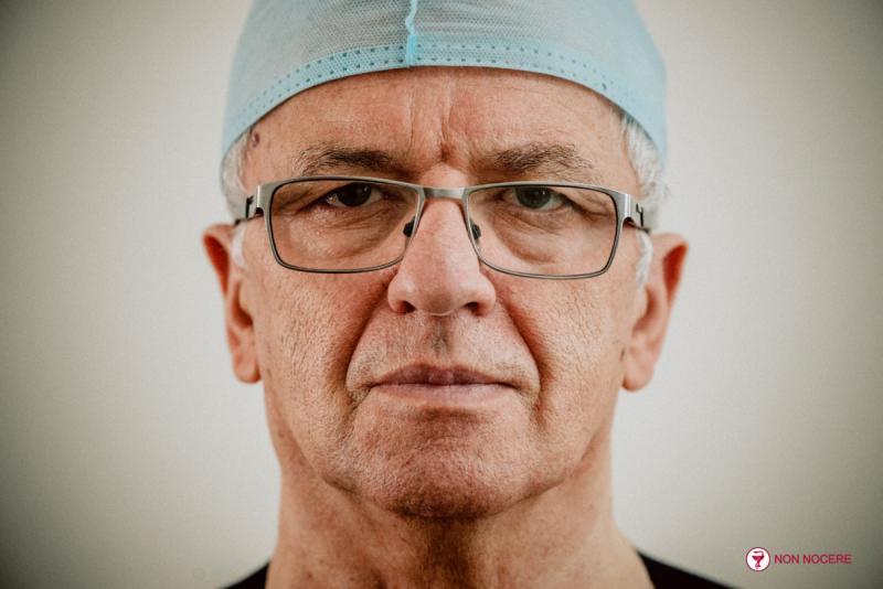 д.м.н., профессор, флеболог, сосудистый хирург, лазерный хирург, руководитель и главный врач «АРД-Клиник» Алуханян Овик Арменович
